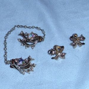 VINTAGE CLIPS WITH CHAIN AND BOW EARRINGS BY CORO
